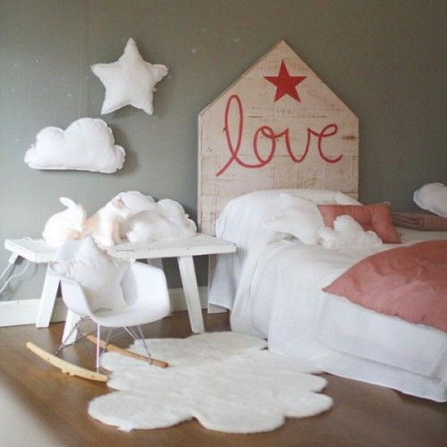 Romantic headboard idea for the girls room