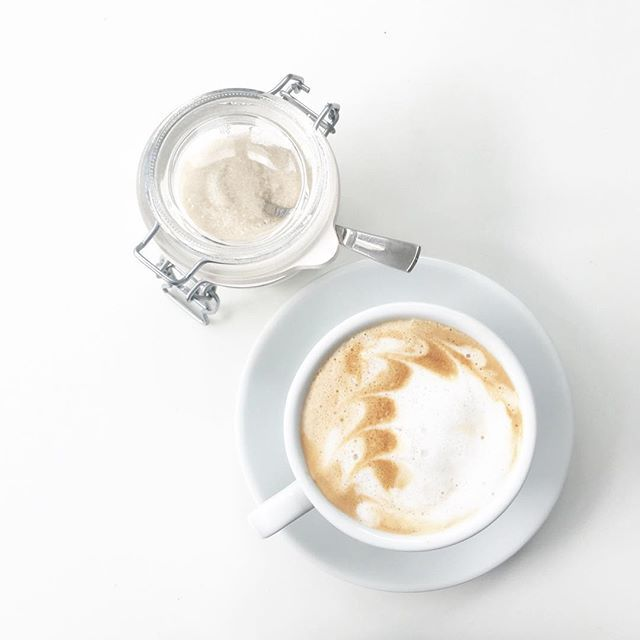 ...schneller Cappuccino. #dann #einkauf #großmarkt #butfirstcoffee #coffeelover #coffeelovers #coffeegram #cappuccino #cotd #coffeeisalwaysagoodidea  #sicurini #sicurinicaffe @sicurini