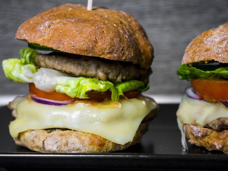 Burger und Burger Brötchen OHNE Hefe ganz leicht selber machen! | idatschka