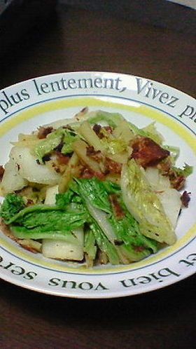 hakusai, bacon, potato stir fry seasoned with soba sauce
