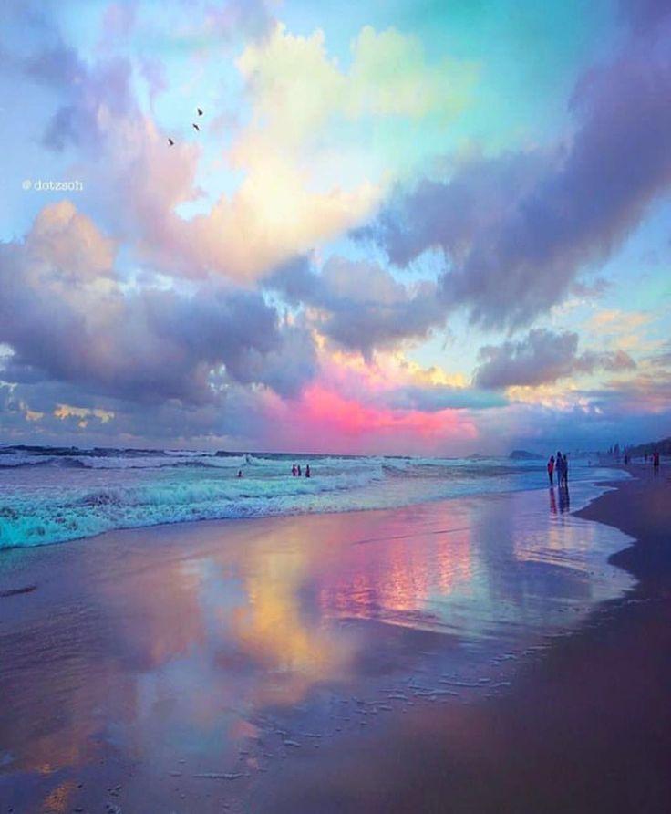 "438.3k Likes, 2,356 Comments - Earthpix  (@earthpix) on Instagram: ""Beautiful sunsets  of Gold Coast! PC: @dotzsoh"""