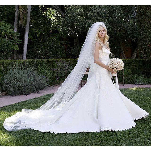 Avril Lavigne Wedding Gown: 127 Best Avril Lavigne Images On Pinterest