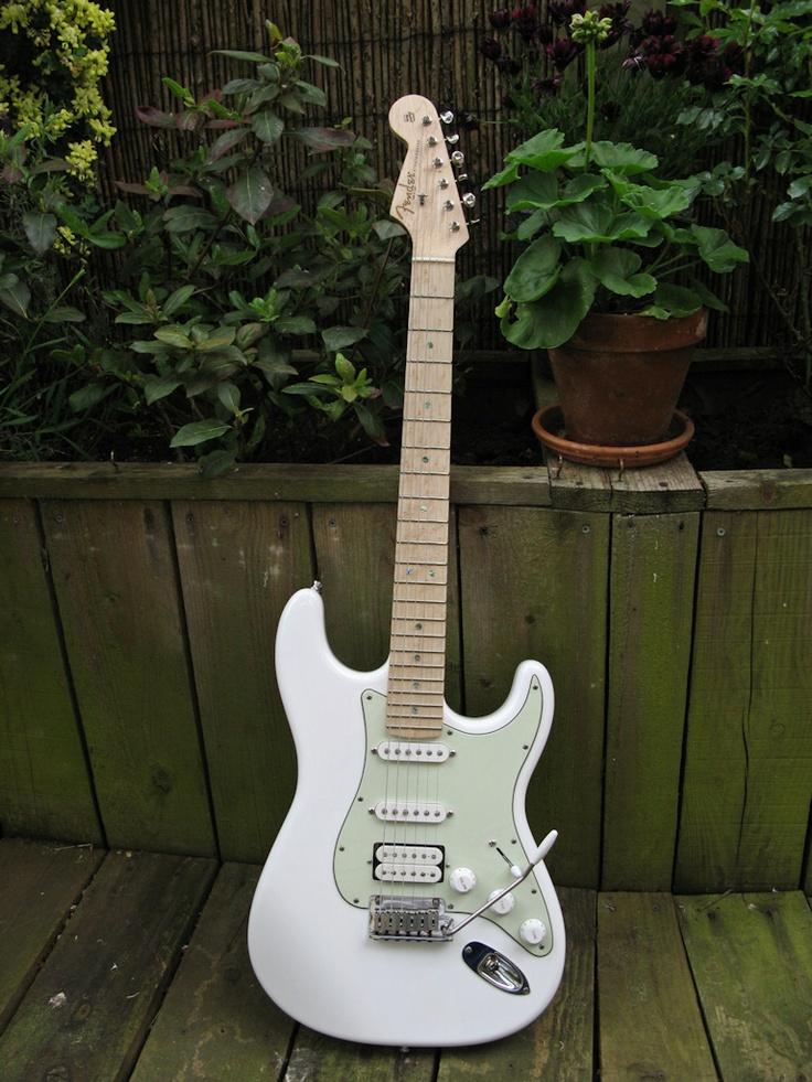 106 best guitars images on pinterest electric guitars musical instruments and bass guitars. Black Bedroom Furniture Sets. Home Design Ideas