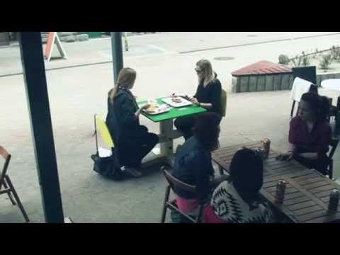 Vénusz - The Teeter Table: Never eat alone - YouTube