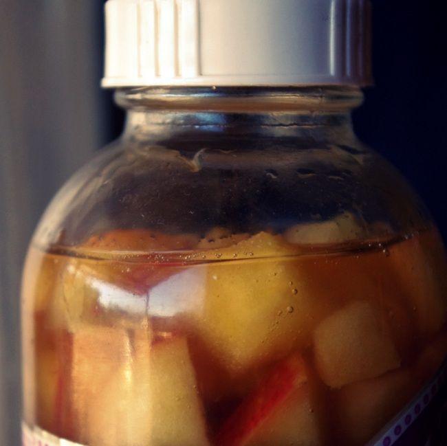 apple-cinnamon kombucha recipe - like a sparkling apple cider