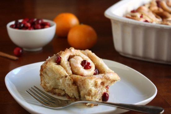 A splendidly festive take on a true dessert classic: Cranberry Orange Cinnamon Rolls. #cinnamon #bun #rolls #cranberry #orange #Christmas #Thanksgiving #food #baking #breakfast   http://amazingdesertforyou.blogspot.com