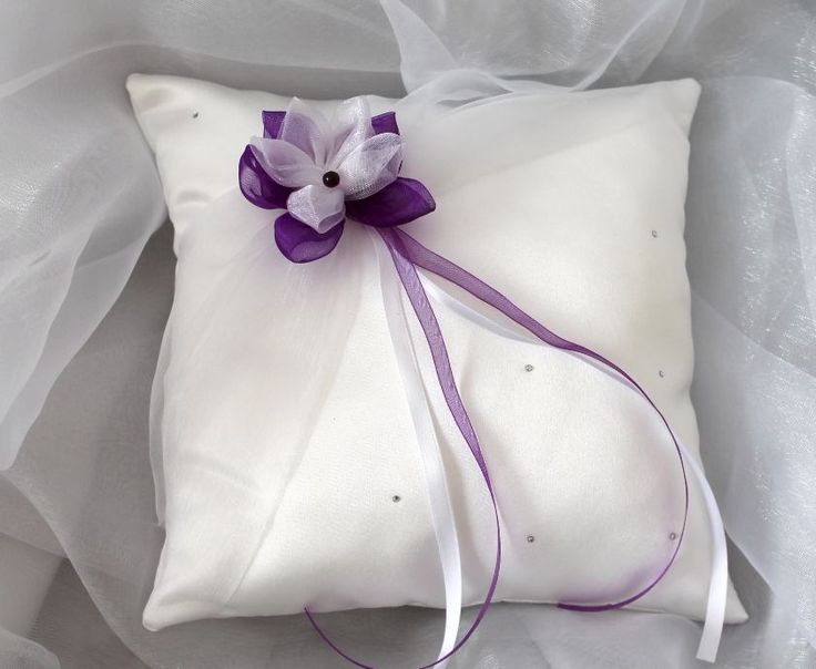 Coussin porte alliances strass,mariage, blanc(ou ivoire) et violet