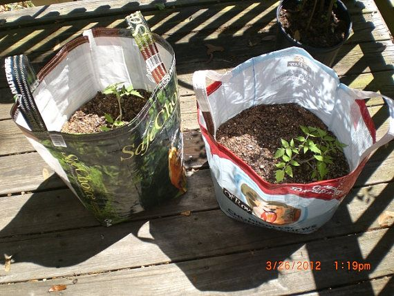 great fun idea...plant bag...made from feed bags...so many fun and great ideas to reuse/recycle bags... :)