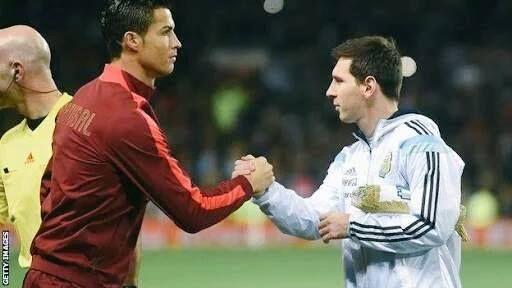 Lionel Messi & Cristiano Ronaldo have now scored 1000 career goals between them:  Games: 1386 Goals: 1000