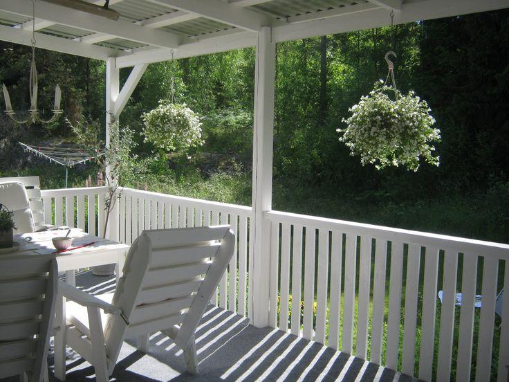 Bildresultat för altan vitt staket