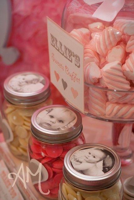 LOVE the mason jar idea :)