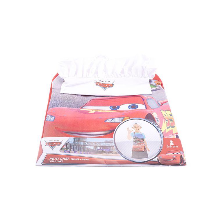 Protégé et à croquer pour cuisiner en famille avec ce tablier et cette toque Cars  Les fans de Flash McQueen et ses amis vont adorer ce kit de petit chef et ne voudront plus quitter la cuisine.