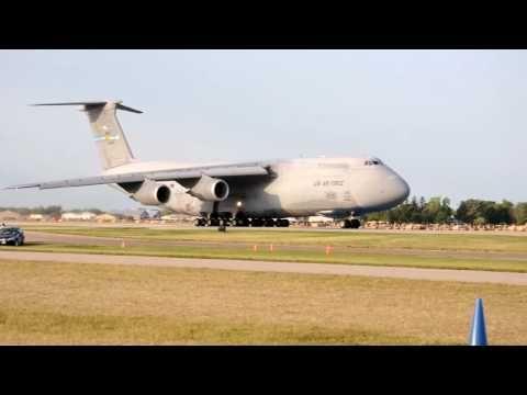 IMPRESSIVE C-5M Full Power Short Takeoff OSHKOSH 2009