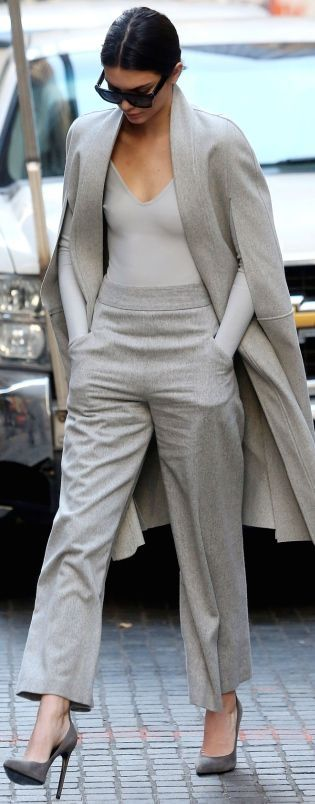 Chic grey outfit   Kendall Jenner street style