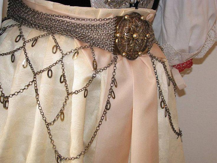 Těšínské krojové šperky