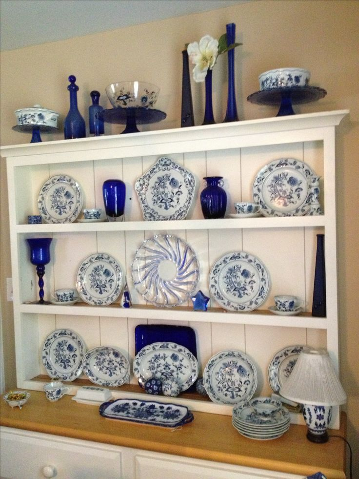 Beautiful display of blue onion with cobalt accent pieces. Love...