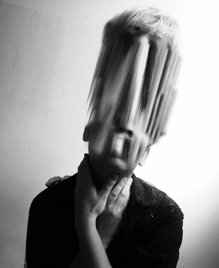 Heitor Magno, Glitch art self portraits