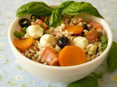 Le    ricette    di    Claudia  &   Andre : Insalata ai 5 cereali con pomodori, pisellini, moz...