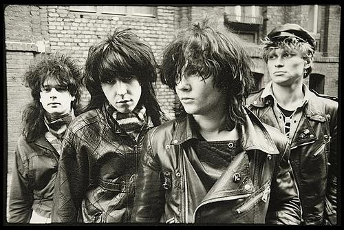 Black Currant / Polisz Punk Rockers Pool by ROBERTLASKA.COM, via Flickr