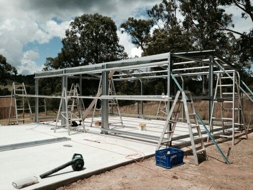 New shed going up