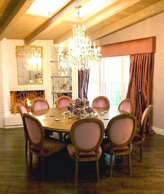 The Styled Life: Kyle Richards: Like the round table for our breakfast nook