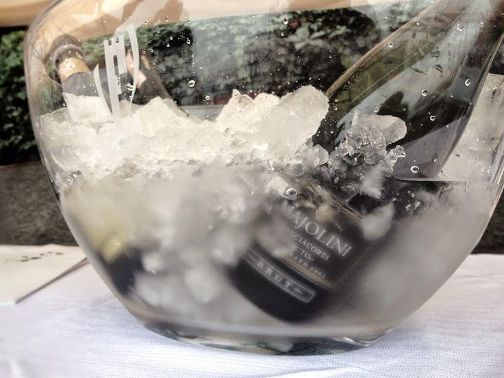 """L'elegante freschezza del Franciacorta Brut Millesimato """"Electo"""". Pieno, dimostra l'eleganza e la raffinatezza che solo il passare del tempo può conferire ad un vino nato per essere annoverato tra i grandi Franciacorta. http://www.excantia.com/produttori/cantine/majolini/bollicina-franciacorta-electo-2006-075lt"""