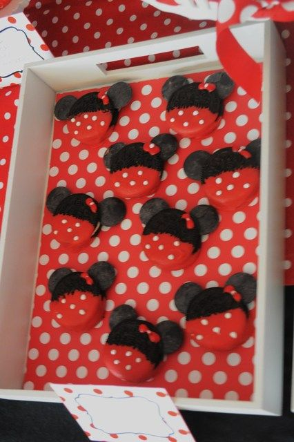Cookies at a Minnie Mouse Party #minniemouse #partycookies