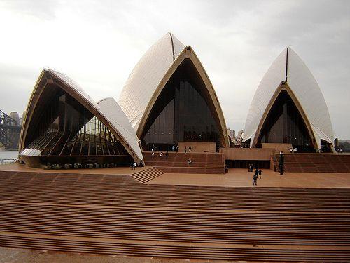 .frontis opera house. aus