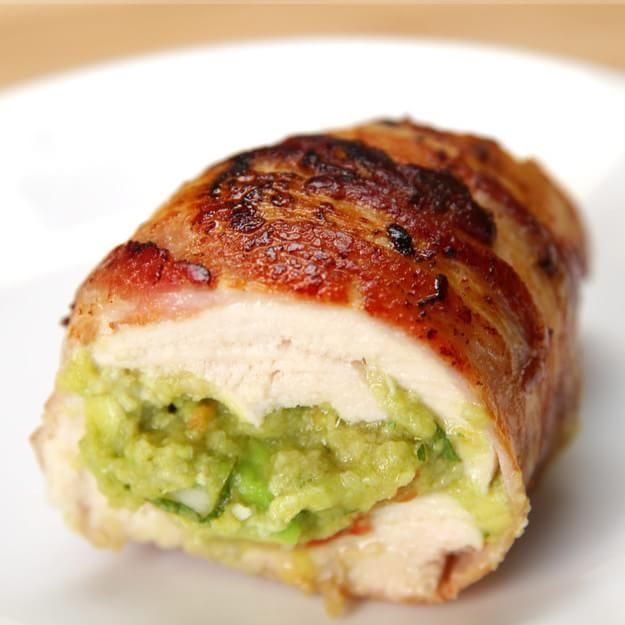 These Guacamole Chicken Bombs Are Wrapped In Bacon And Totally Satisfying