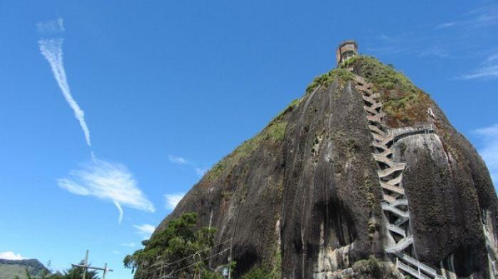 La piedra del Peñón de Guatapé - Colombia #bitaccora
