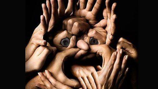 80 % информации человек получает c помощью языка жестов и только 20 % с помощью слов и звуков.