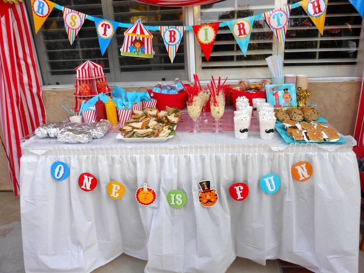 Kids circus theme birthday party ideas for food table - Kids party food table ideas ...