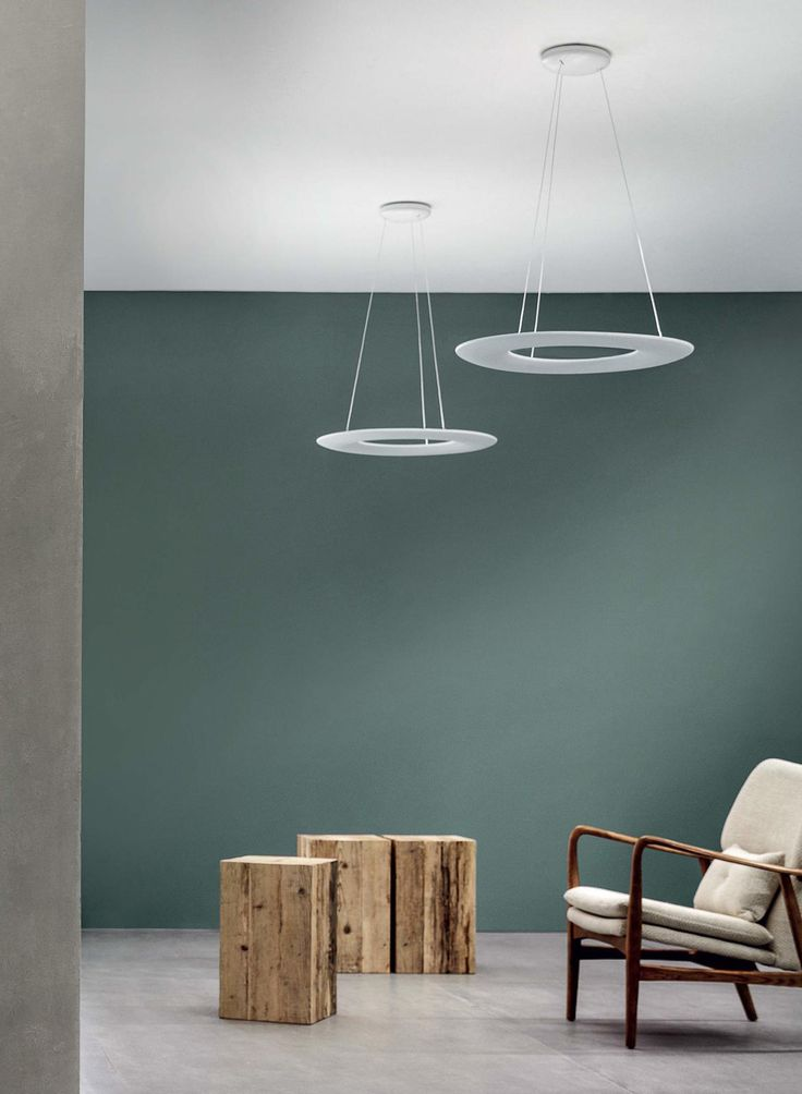 Like a floating star, Kyklos_P1 illuminates the interiors of hotels and private homes. Its essential design co...