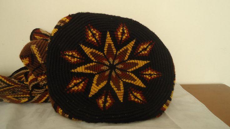 Como tejer una mochila wayúu paso a paso.(7) Acabados.
