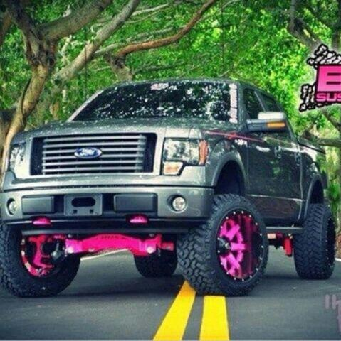 Country Girl truck: tricked out in pink