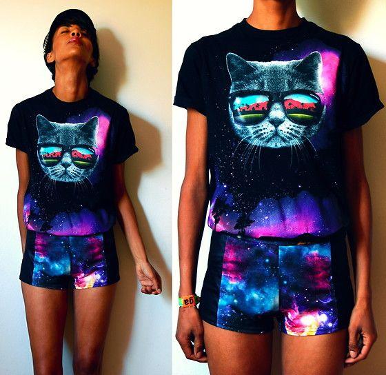 Coachella Space Cat Shirt, Galaxy Shorts, Wristband