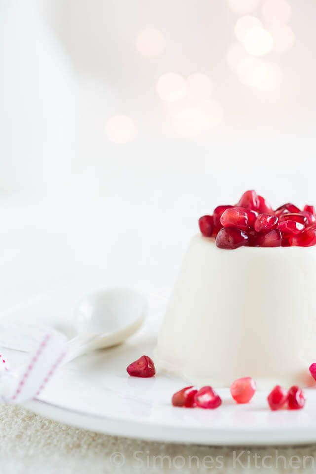 Yoghurt pannacota met granaatappel   simoneskitchen.nl
