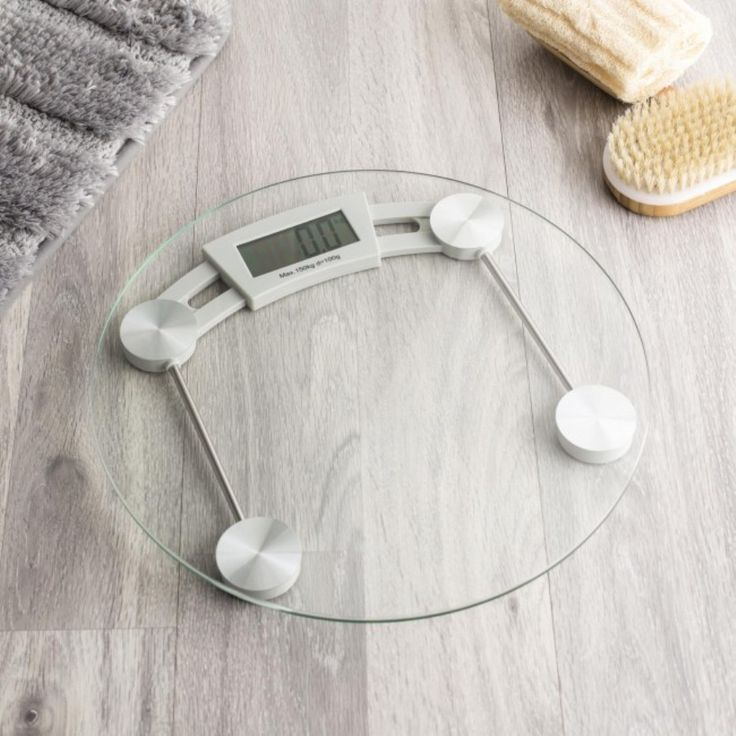 Buying Tips For Bathroom Scales : Modern Glass Bathroom Scale