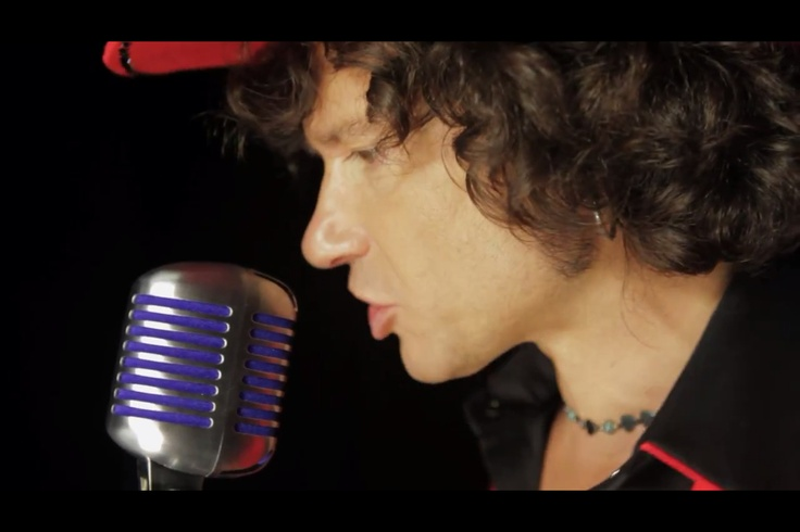Solitario- Foto del video El Solitario de Enrique Bunbury