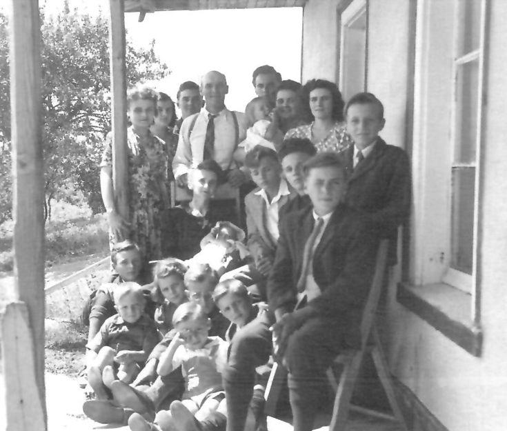Famille nombreuse de dix-huit enfants à St-Pierre de l'île d'Orléans