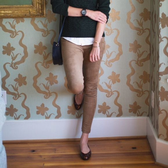 LYSSE Leggings Small Brown Suede LYSSE leggings are the most amazing tummy tuck leggings you will ever wear. Hidden wide satin panel at waist. Purchased at Nordstrom in November 2015 for $98. Looks great with tall riding boots! Hard to find style. Lysse Pants Leggings