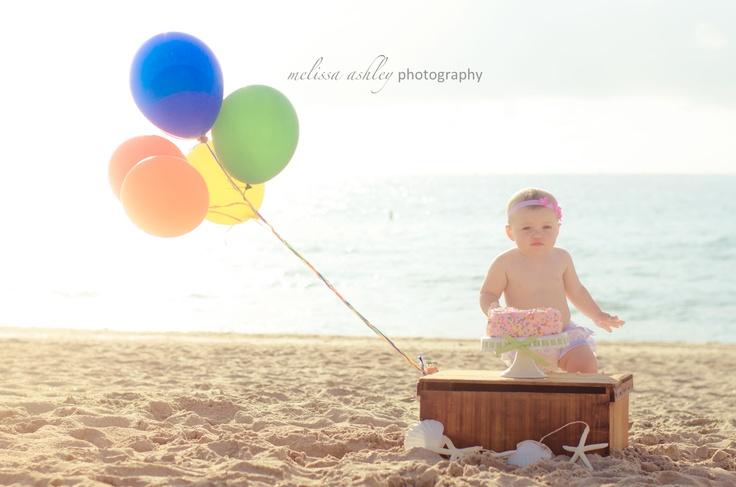 Beach baby cake smash