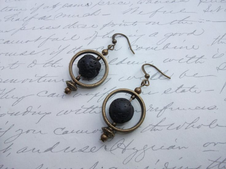 Antique brass lava stone earrings de la boutique BijouxdeBrigitte sur Etsy