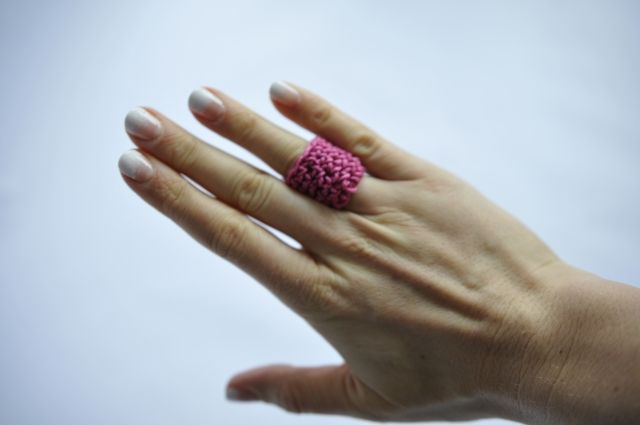 szydełkowy pierścionek crochet ring  https://www.facebook.com/oplotki/
