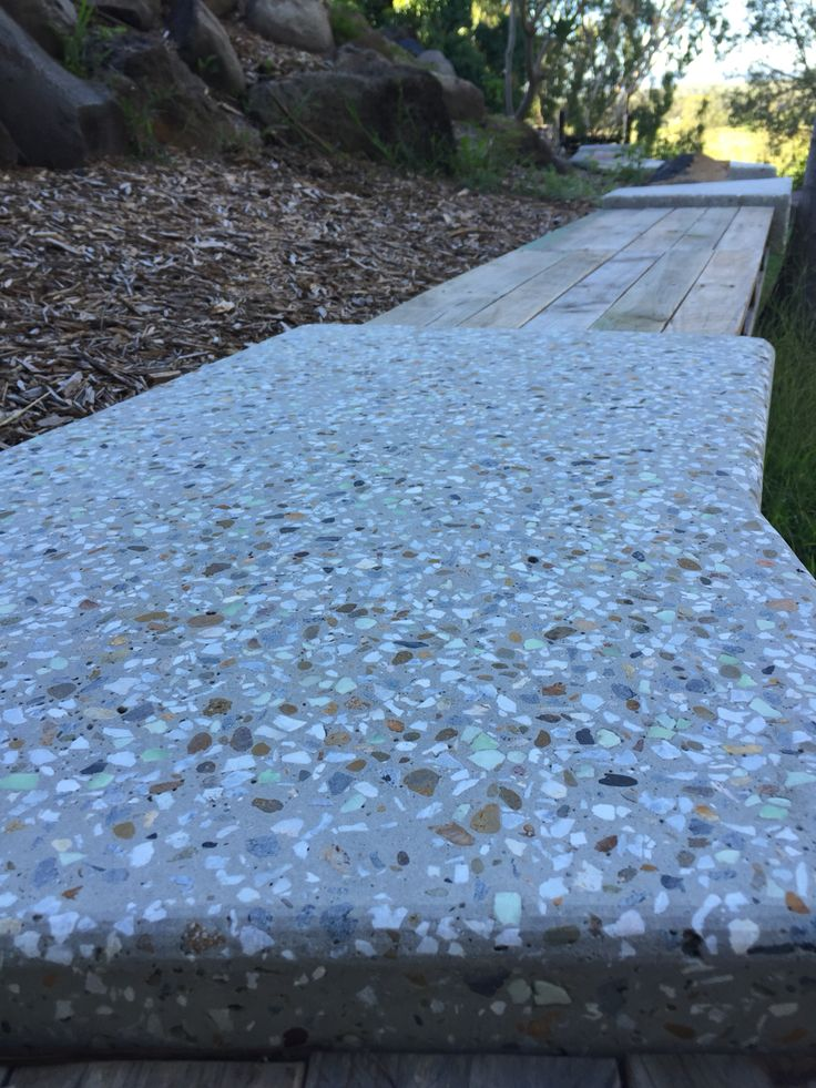 Polished concrete with glow stone aggregate