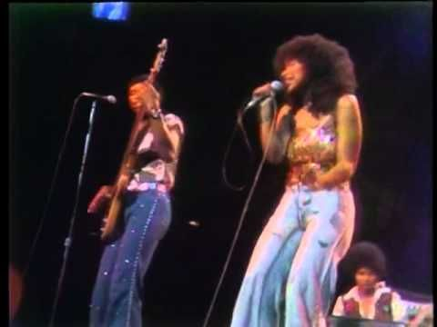 ▶ The Midnight Special More 1974 - 17 - Rufus & Chaka Khan - Tell Me Something Good - YouTube