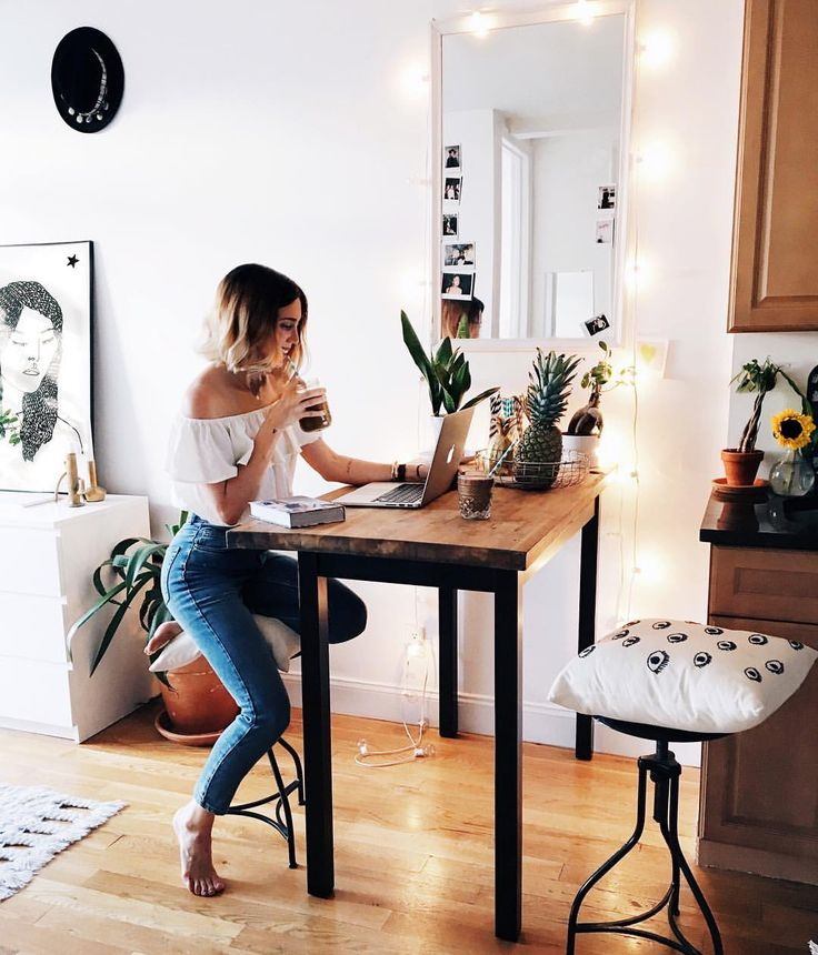 "Viktoria Dahlberg on Instagram: ""Nothing is better than home ⭐️ #UOHome #UOonYou #UODenim #interior #deco #nyc"""