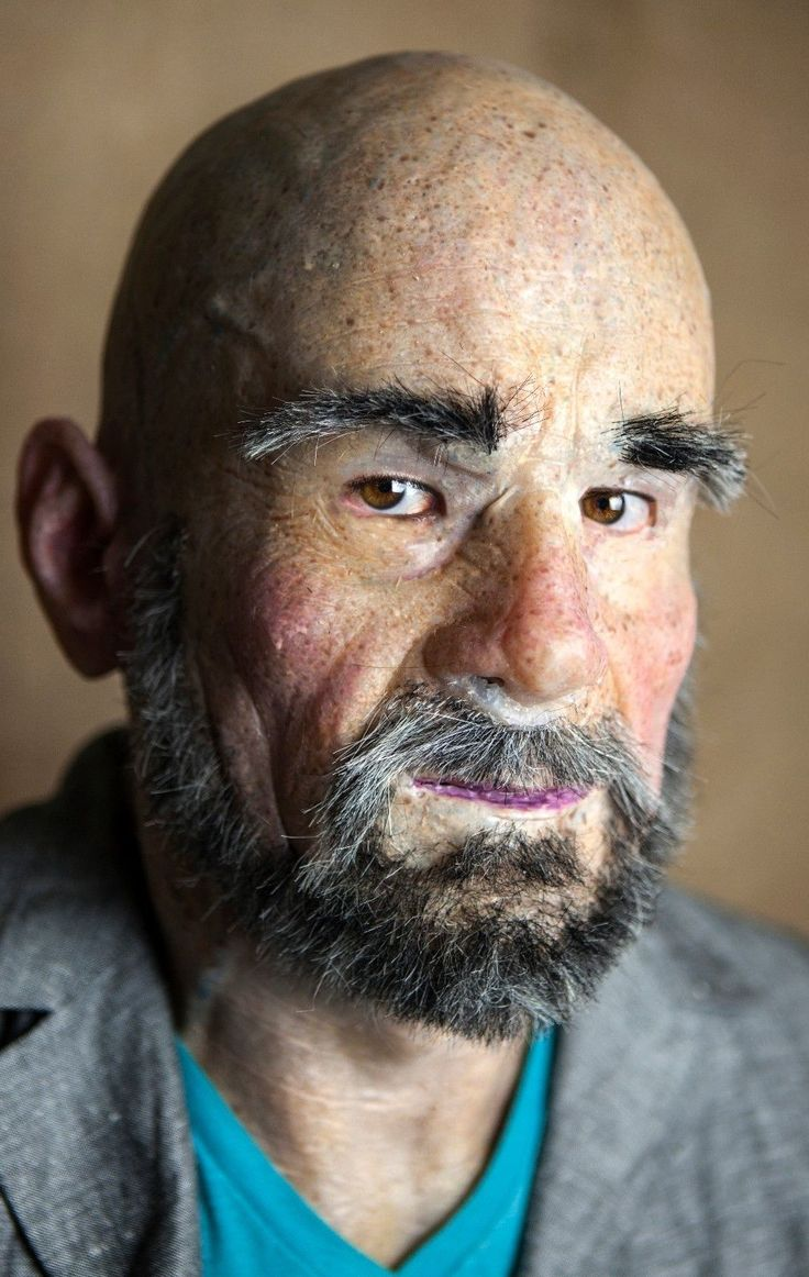 "NEW Hand Made, Pro Silicone Mask Old Man ""Leon"" High Quality, Realistic. ABOUT Old Man ""Leon"" MASK Realistically natural skin appearance, complete with hand-made moles, warts, liver spots, veins, wrinkles and individually-inserted eyebrow, facial hairs. 
