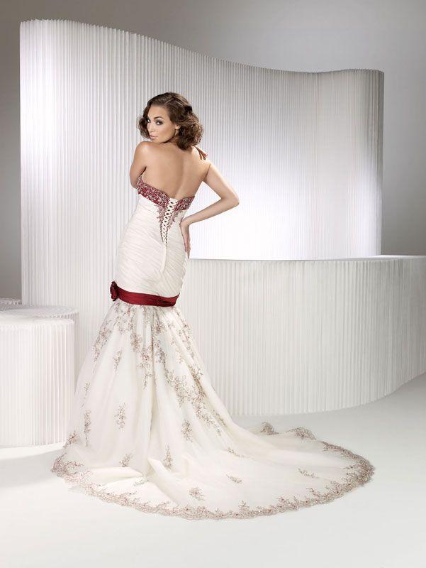 Gorgeous strapless trumpet / mermaid chapel train bridal gowns