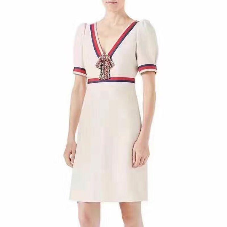 🎈🎈🎈Белое платье Гуччи с бантиком на молнии, очень эффектное! Материал хлопок. Размеры S M L Цена 6500 руб